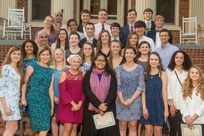 Senior HOnors recipients pose together
